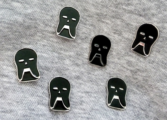 skull-pins